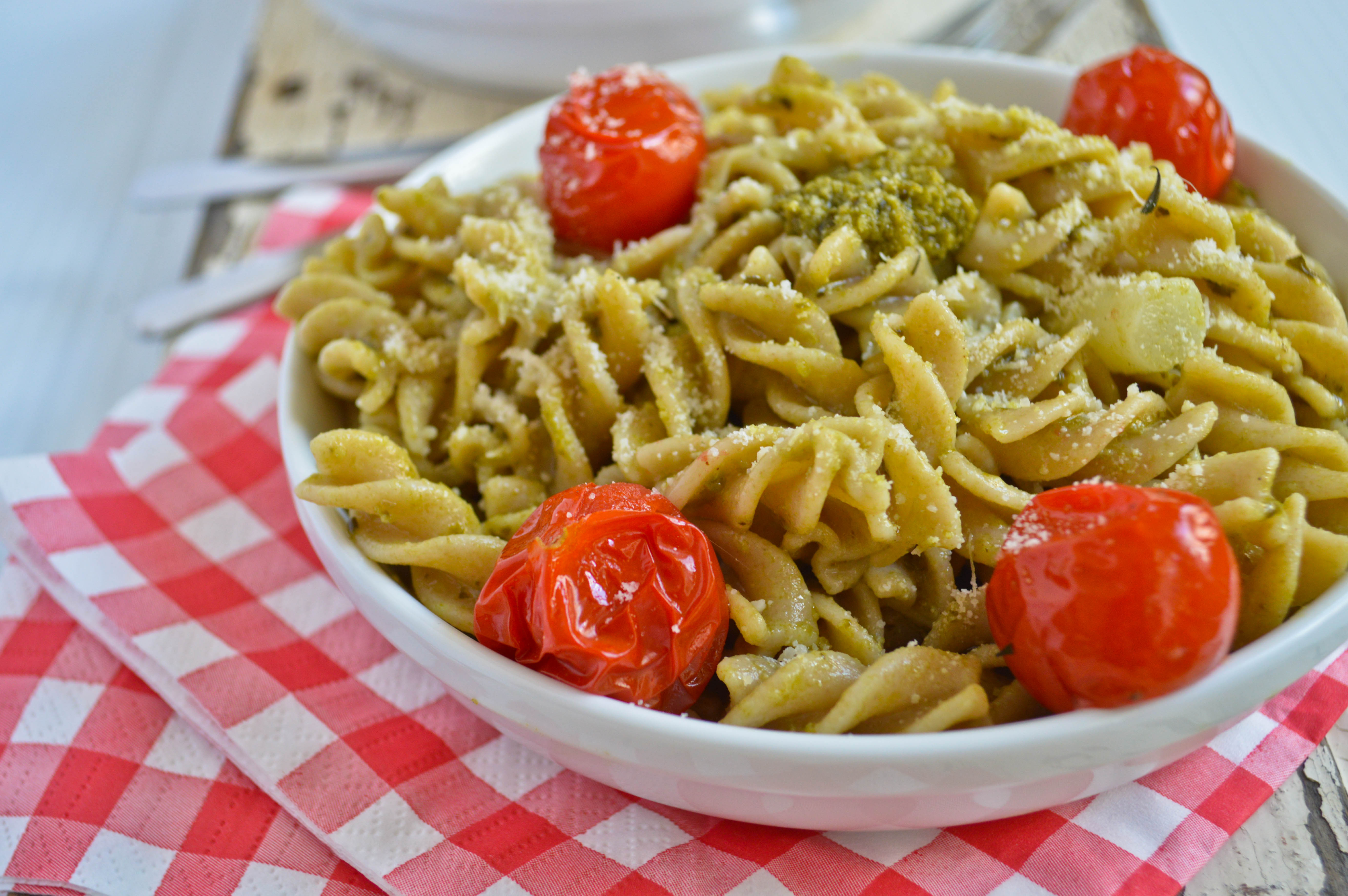 Pesto Pasta Salad with White Asparagus and Roasted Tomatoes