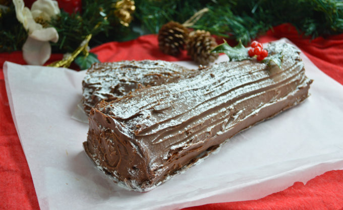 Chocolate Yule Log Recipe - ConfusedJulia