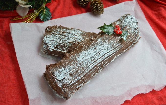 Chocolate Yule Log Recipe - ConfusedJulia